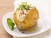 Baked potato with herb quark