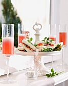 Crayfish sandwiches with champagne Cosmos