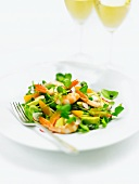 Spring salad with prawns and avocado