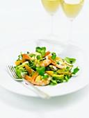 Frühlingssalat mit Garnelen und Avocado