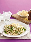 Spaghetti with crabmeat and peas