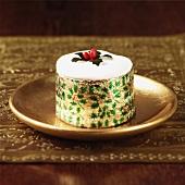 Christmas Cake auf goldenem Teller