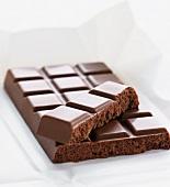 Eine Tafel Schweizer Milchschokolade