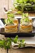 Vol au vent primavera (Pastetchen mit Zucchini-Käse-Creme)