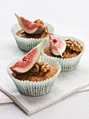 Nut muffins with fresh figs