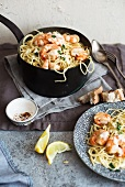 Spaghetti with prawns and lemon sauce