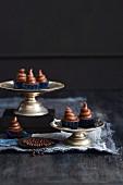 Cupcakes with chocolate-caramel cream