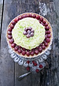 Raspberry tart with lime mousse