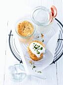 Kleine Möhrenkuchen, im Glas gebacken