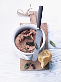 Turkey liver pâté with sage