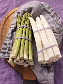 Bundles of green and white asparagus