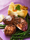 Beef fillet with potato gratin and green beans