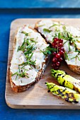 Bread topped with marinated gilt-head bream