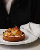 Pear tart with chocolate
