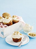Banana muffins with maple icing