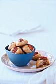Golden pecan cookies
