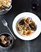 Spaghetti with seafood and tomato sauce