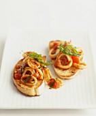 Crostini mit Calamari & Tomaten