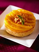 Mango tartlet with avocado and goat's cheese