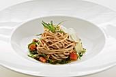 Wholemeal spaghetti with tarragon pesto