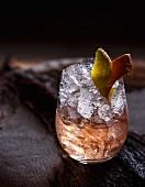 Aperol Spritz mit Eiswürfeln