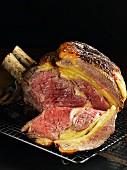 Kotelettbraten vom Rind, angeschnitten