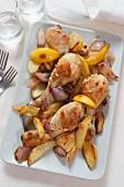 Zitronenhähnchen mit Kartoffeln und Schalotten