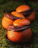 Oranges filled with chocolate soufflé
