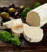 Goat's cheese, olives and basil