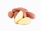 Le Rouge Fingerling Kartoffeln, ganz und halbiert