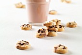Chocolate chip cookies and a glass of cocoa