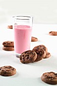 Double chocolate chip cookies and a raspberry shake