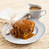 Sticky toffee pudding (England)