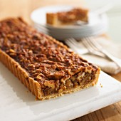 Sliced walnut tart
