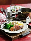 Salmon fillet with pepper, broccoli and pureed beans