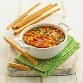 Gemüseeintopf mit Nudeln & Grissinis