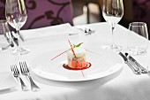 Erdbeerparfait im Restaurant