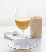Banana & orange drink with oat bran