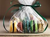 Glutenfreie Macarons, als Geschenk verpackt
