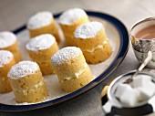 Glutenfreie Mini-Biskuitkuchen