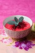 Rote-Bete-Creme mit Salbei