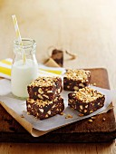 Chocolate slices with hazelnuts, raisins and biscuits