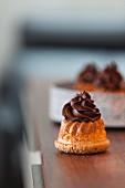Mini Bundt cakes with chocolate cream