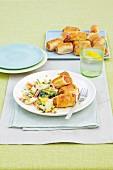 Würstchen im Teigmantel mit Kartoffelsalat