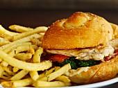 Sandwich mit Hühnerbrust & Pommes Frites