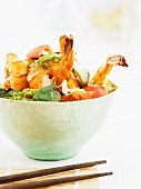 Mixed salad with prawns and chilli