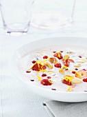 Yogurt dessert made with strawberries and cashew nuts