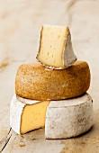 Turm aus Schweizer Mutschli Käse