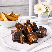 Short ribs with potato wedges