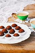 Schokoladenkonfekt mit Nüssen & Karamell